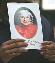 Des milliers de personnes aux funérailles de Rosa Parks Rosa_Parks
