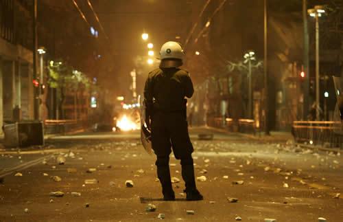 La Grèce en révolte A01_17270959