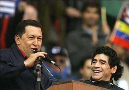 Buenos Aires : 50.000 personnes, manifestation anti Bush Chavez_maradona