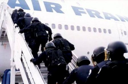 Jeudi 29 janvier 2009 : Les plus grandes manifs de salariés depuis 20 ans Escadrons_de_gendarmes_mobiles_2