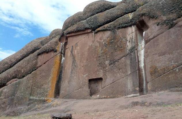 Mystery of the Aramu Muru Gateway Aramu-Gateway-2