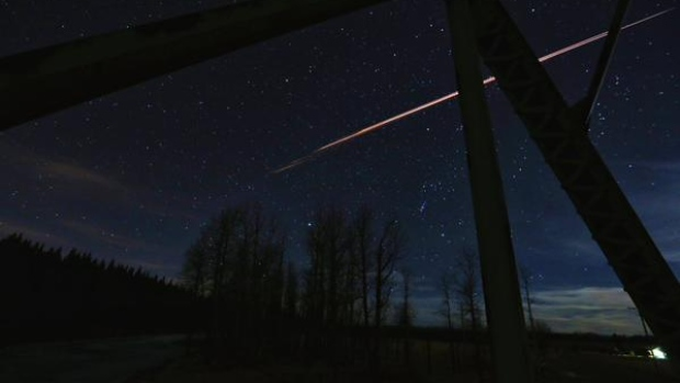 Unusual Fireball Streaks Over Montreal Canada Fireball-in-sky