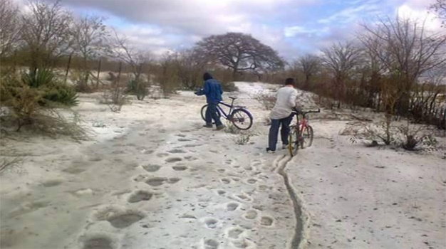 Rare Sleet Phenomenon Hits Zimbabwe – the First in the Country's History! Snow-in-zimbabwae