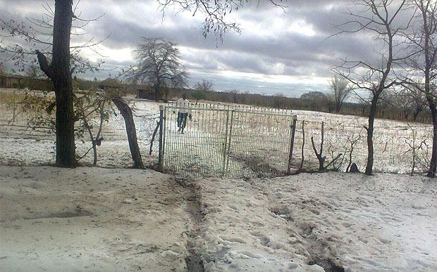 Rare Sleet Phenomenon Hits Zimbabwe – the First in the Country's History! Zimbabwe-snow-3-large