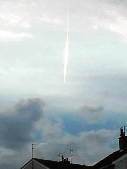 Meteor Fireball Streaking Over Scotland Skies? FireballScotlandSept2016