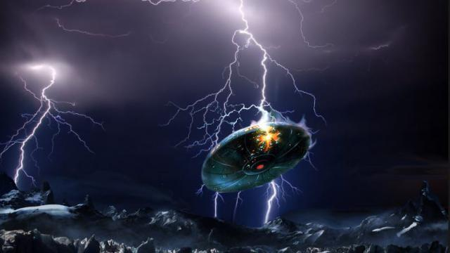 Video of Lightning Striking a UFO During Thunderstorm – France  700_0a1e3717cd0d593befd5fceb1846ce40
