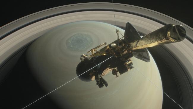 Cassini Survives Saturn Plunge Returns Spectacular Images C4fe4c5125541119433f4f31bebdb46d