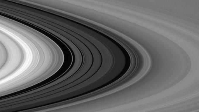 Cassini Survives Saturn Plunge Returns Spectacular Images Pia18365_1041-e1493493281898