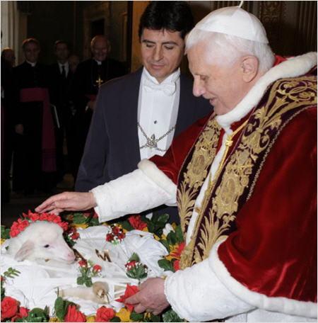 Où l'Antéchrist bazarde les plus vénérables traditions de l'Église Agneau-sainte-agnes2_450