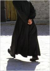 Perplexité d'un prêtre Pretre10_160
