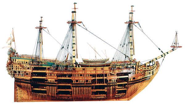 El navio de tres puentes en la Armada 133