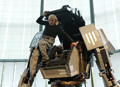 """Презентация четырехметрового боевого робота Kuratas (""""ИноСМИ"""", Россия) 202727187"""