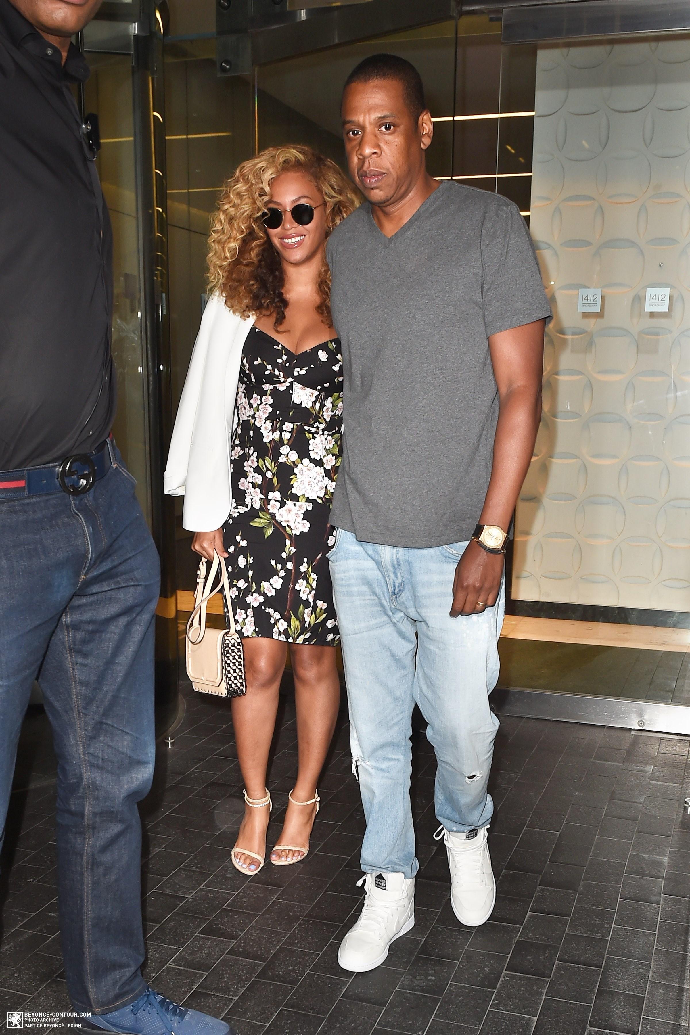 Beyoncé > Apariciones en público <Candids> [III] - Página 48 001