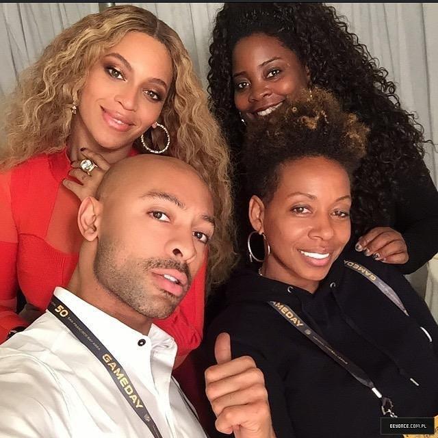 Beyoncé > Apariciones en público <Candids> [IV] 12627976_202537276767309_494550733_n