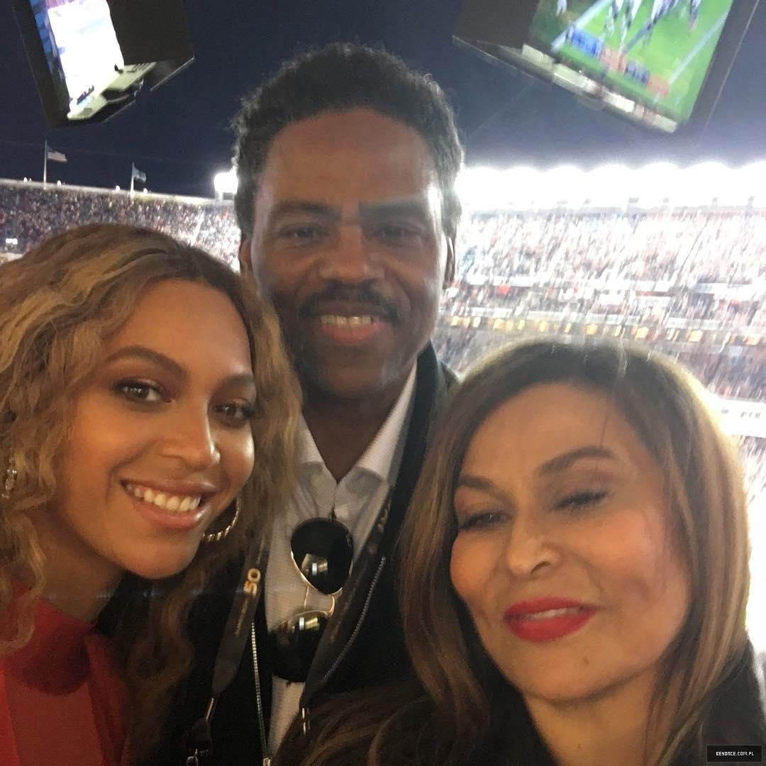 Beyoncé > Apariciones en público <Candids> [IV] 12677580_1090161557672845_1724853573_n