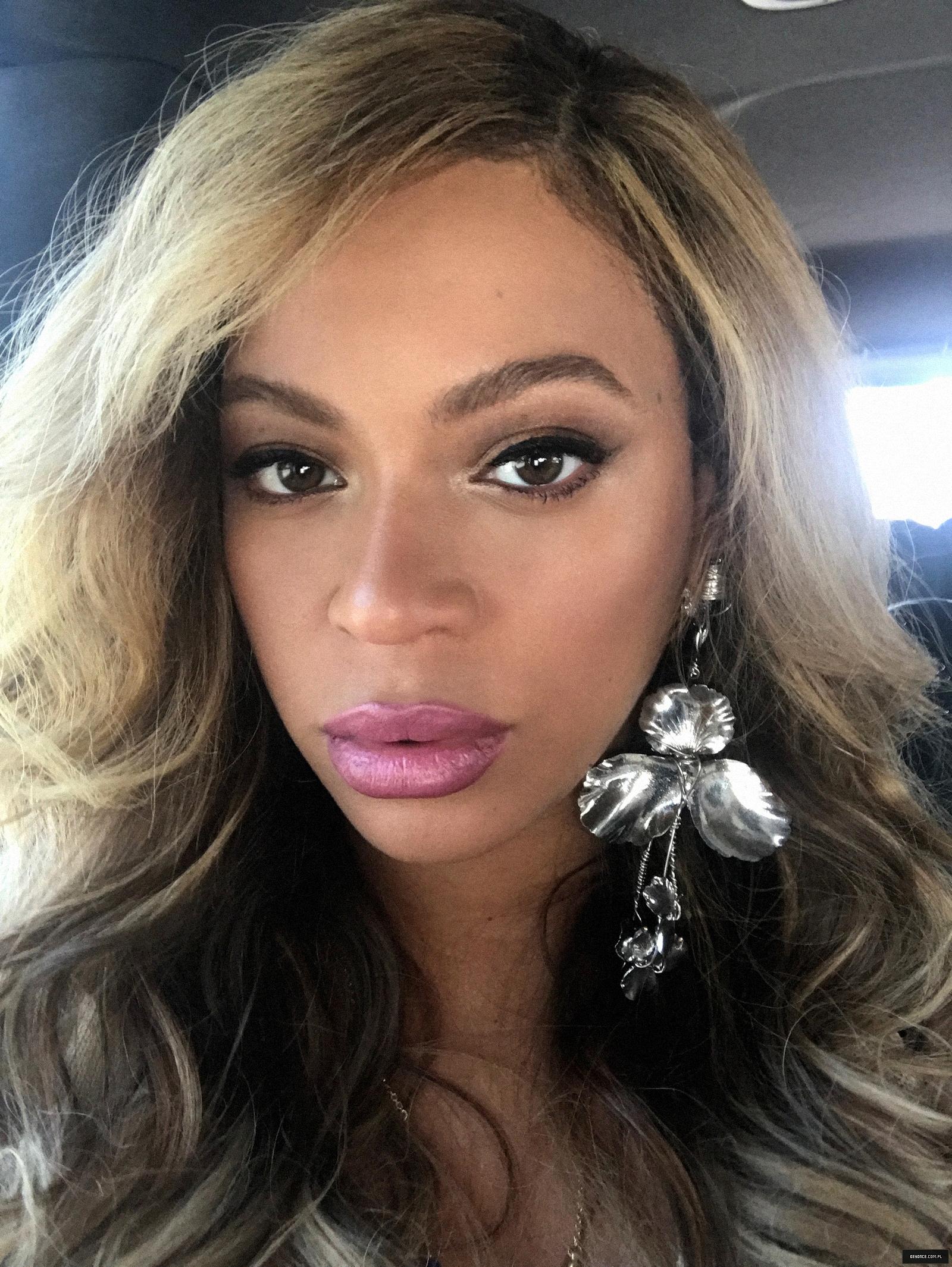 Beyoncé - Twitter (@Beyonce), Instagram (Baddiebey), Tumblr (I Am...) [II] - Página 17 16%7E1