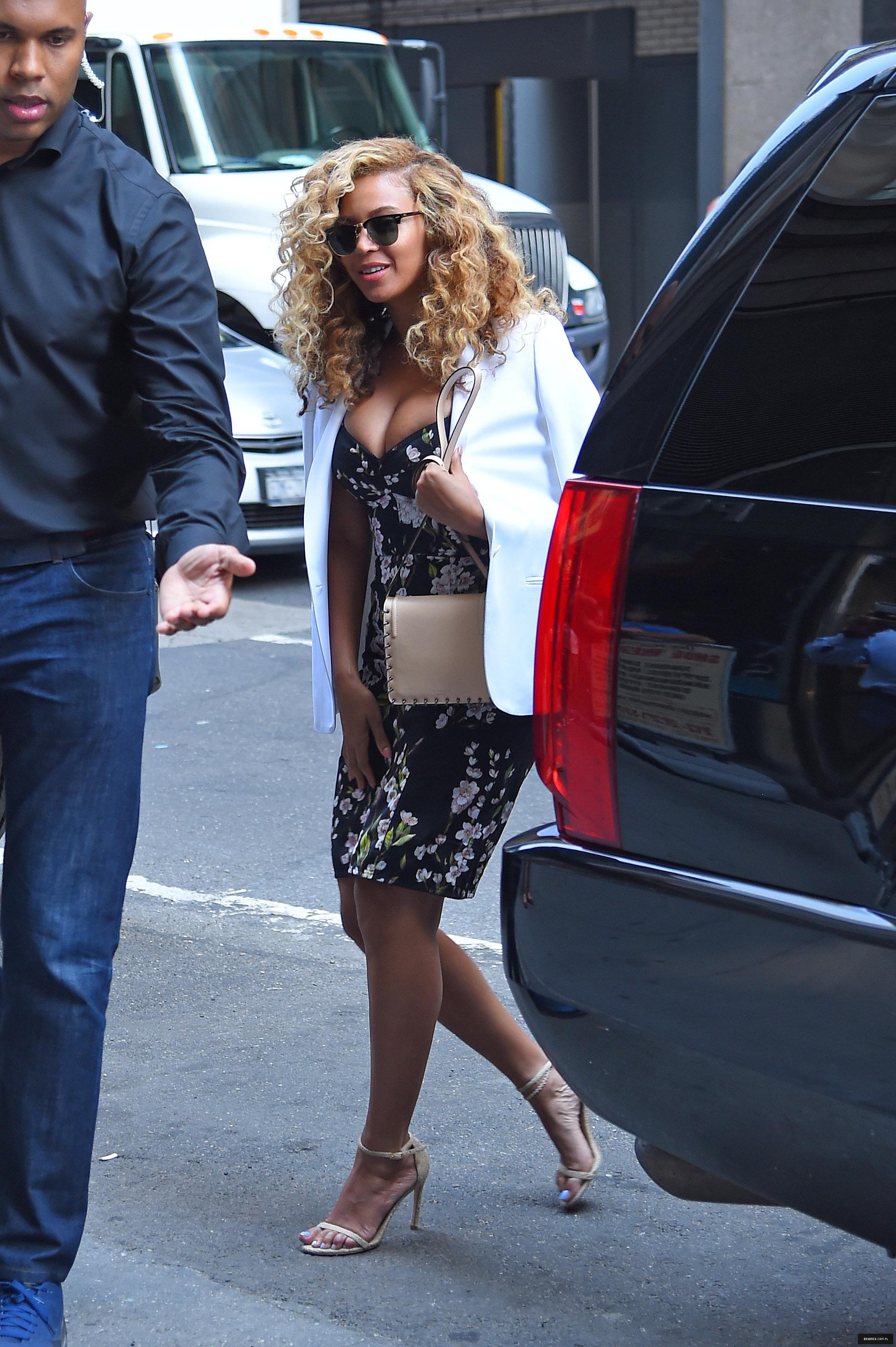 Beyoncé > Apariciones en público <Candids> [III] - Página 48 Beyonce_28229