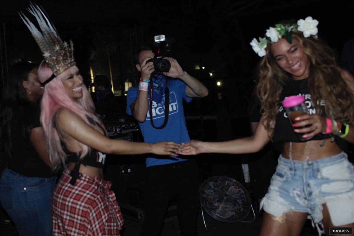 Beyoncé > Featuring 'Feeling Myself' (feat. Nicki Minaj) - Página 8 ML-FM-5-c