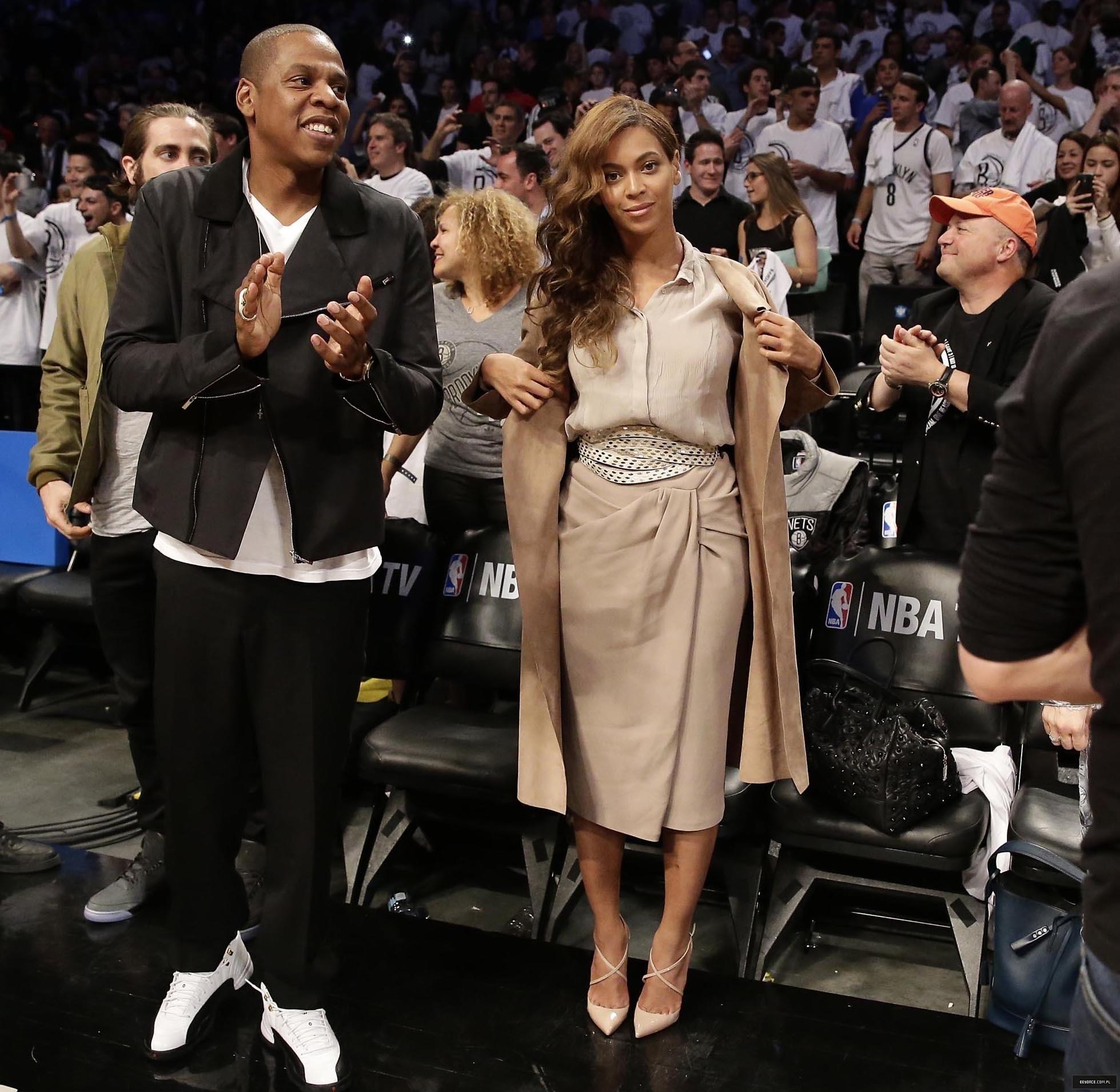 Beyoncé > Apariciones en público <Candids> [III] - Página 26 Miami-brooklyn-game2014_2_3