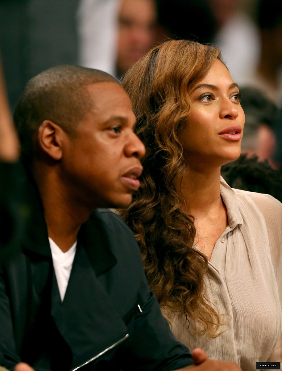 Beyoncé > Apariciones en público <Candids> [III] - Página 26 Miami-brooklyn-game2014_4