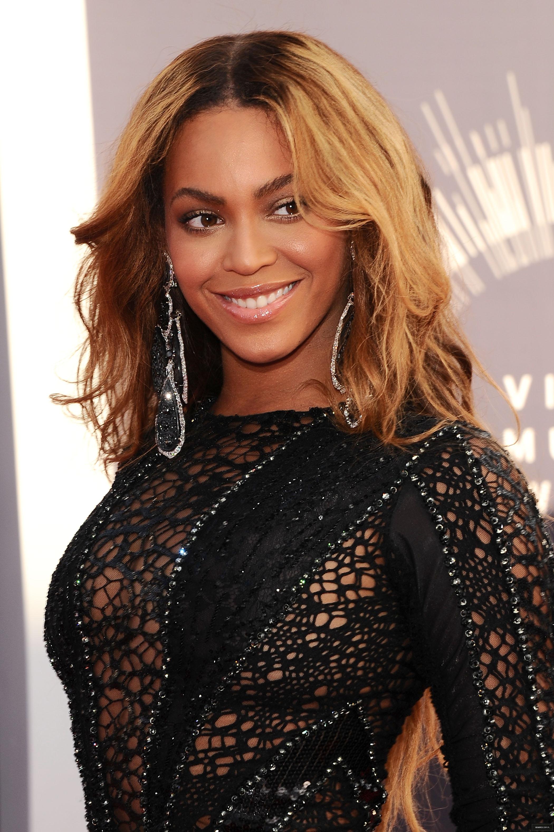 """Beyoncé > """"MTV VMA's 2014"""" >> 8 Nom.  """"Máxima Nominada del Año"""" [PERFORM & VIDEO VANGUARD AWARD] - Página 32 000000000000020"""