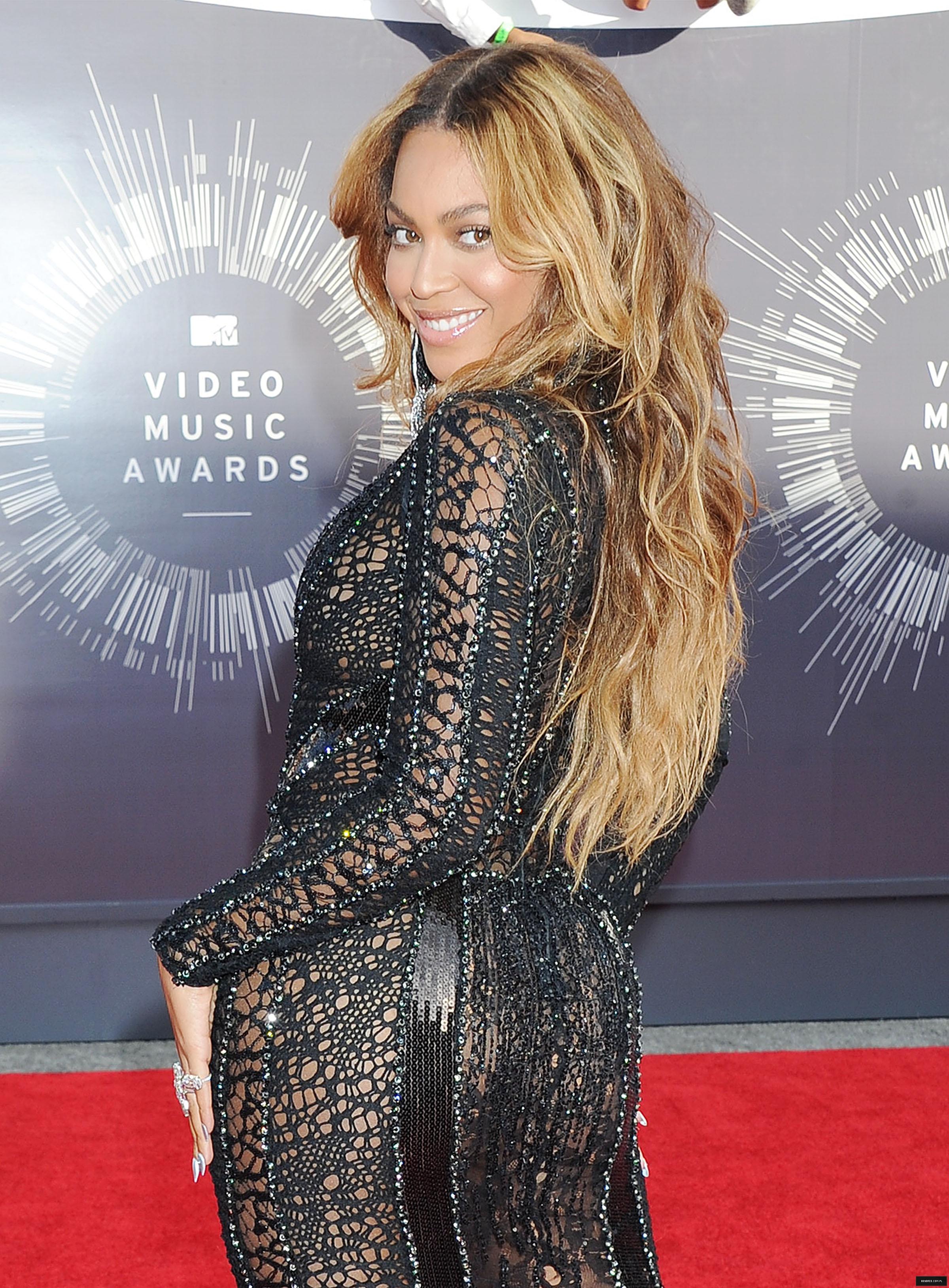 """Beyoncé > """"MTV VMA's 2014"""" >> 8 Nom.  """"Máxima Nominada del Año"""" [PERFORM & VIDEO VANGUARD AWARD] - Página 32 000000000000036"""