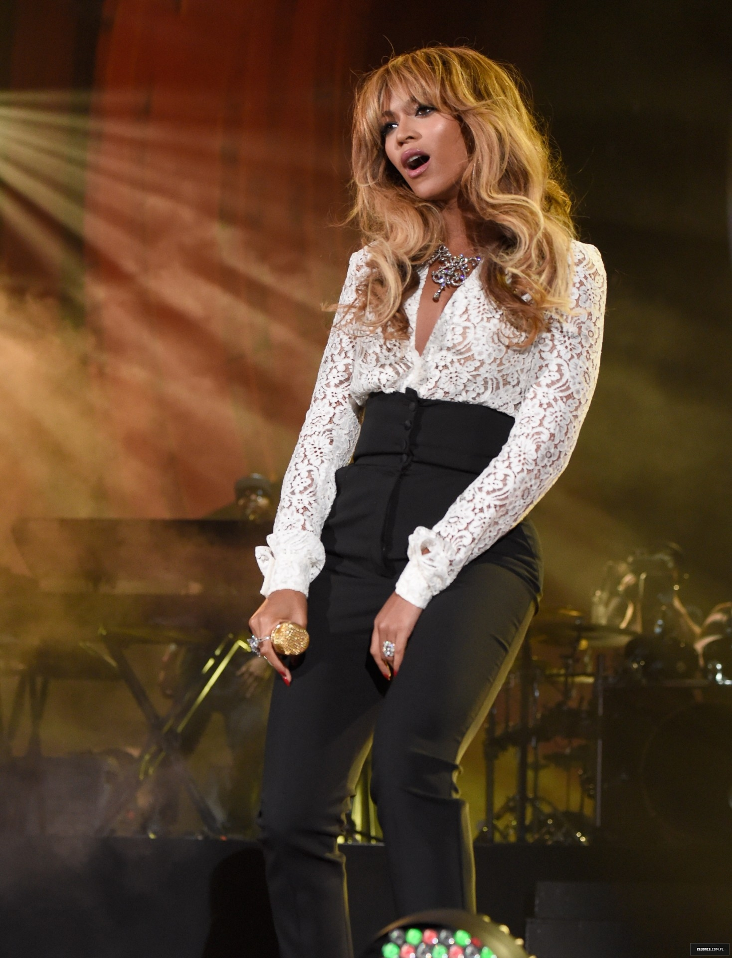 "Beyoncé & JAY-Z: ""On The Run Tour"" [VIDEO PROMO TOUR PÁG. 5] - Página 29 515239945LL287_2014_Global_"