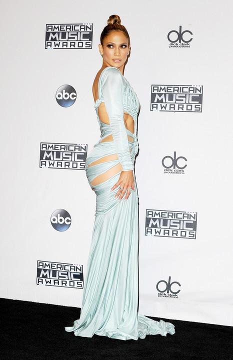 JLo Imágenes >> Apariciones, paparazzi, candids... - Página 20 Normal_Jennifer_Lopez_American_Music_Awards_2015_53