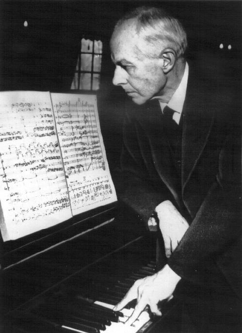 TECHNIQUES et MUSIQUES, IMPROVISATION pour GUITARE. 5 doigts main droite (6, 7 & 8 strings) Bartok2