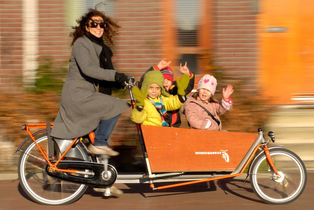 Les transports par motorisation électrique - paradis ou enfer écologique ? Bakfiets-3