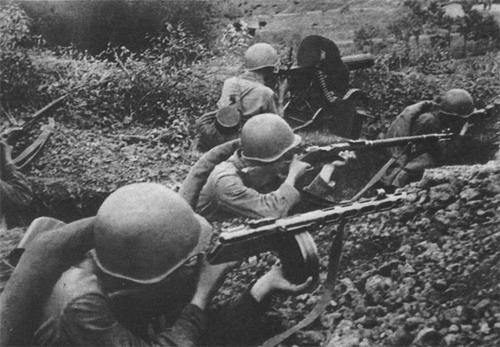 soldats soviétiques - Page 2 1942-19
