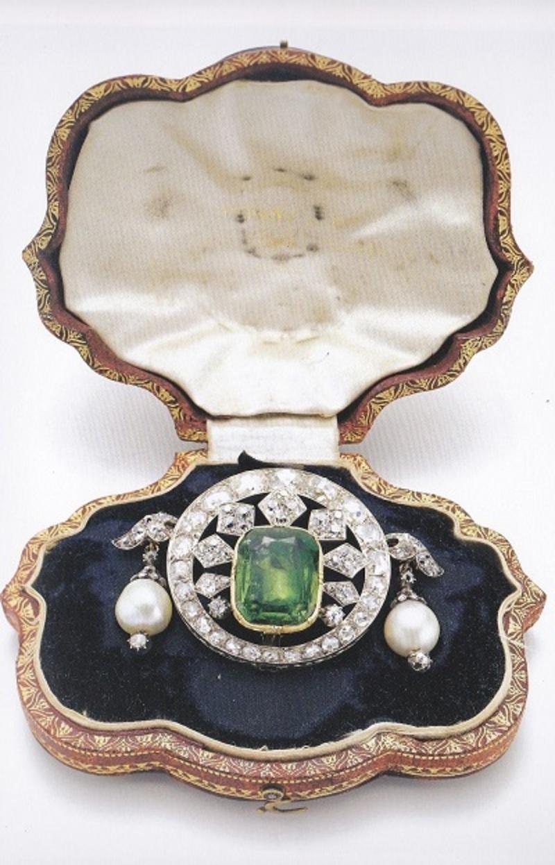 Tiffany devenu Francais Peridot-bapst