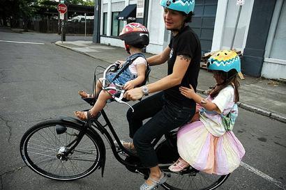 Compro bici eléctrica urgente Family_juliondutch2kids