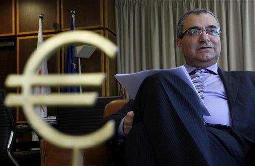 Chypre peine à trouver les fonds pour payer fonctionnaires et retraites 512x
