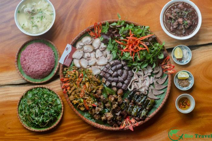 Những món ăn đặc sản nhất định phải nếm thử khi đến Hòa Bình Lon-met-man-nuong