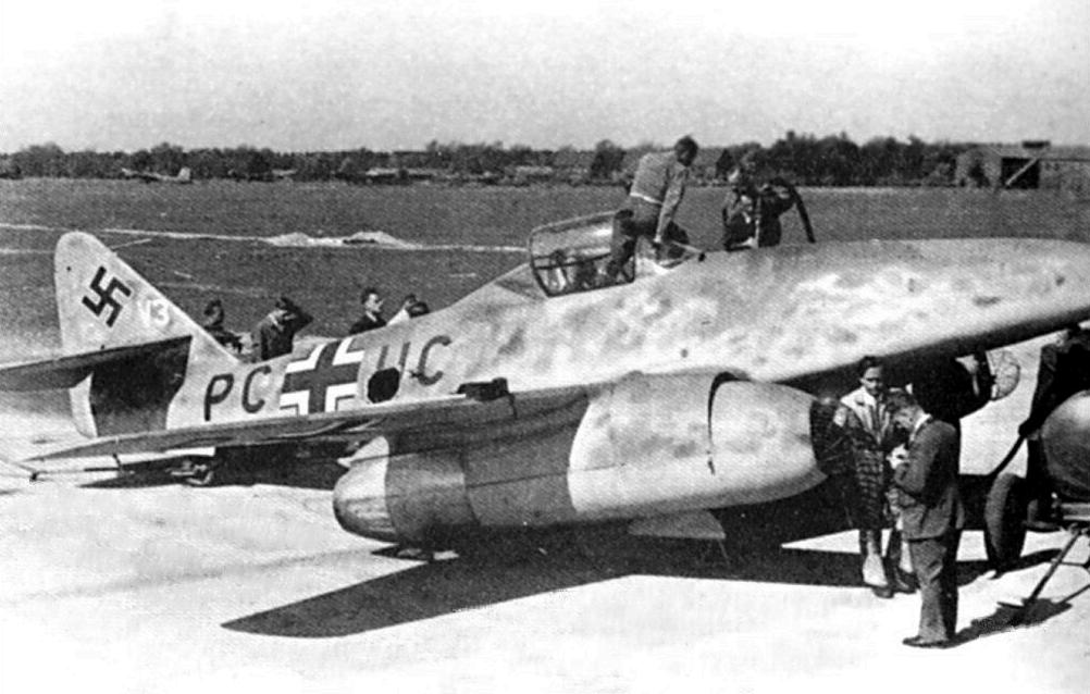 Cazas y ases de la segunda guerra mundial . Messerschmitt-me-262-fighter-08