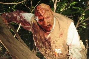 Critiques de films de zombies/contaminés - Page 3 Ragephoto5