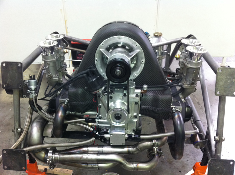 Projet 550 replica avec 4 à plat de malade !! Vintech-engine-cover-M