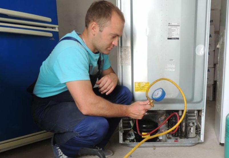 Профессиональный ремонт холодильника в Санкт-Пете Holod2