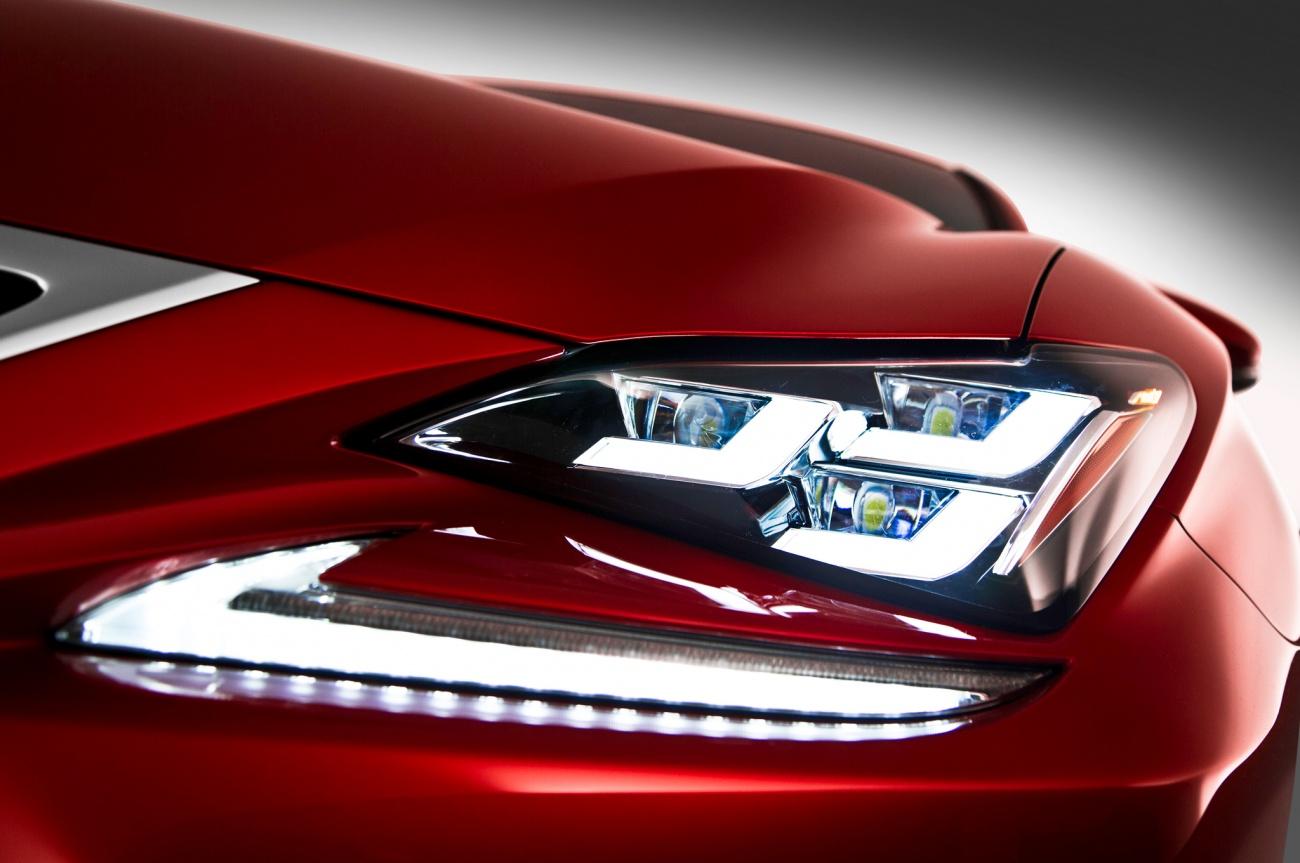 2014 - [Lexus] RC Coupé / RC-F - Page 2 2015-Lexus-RC-headlight-view