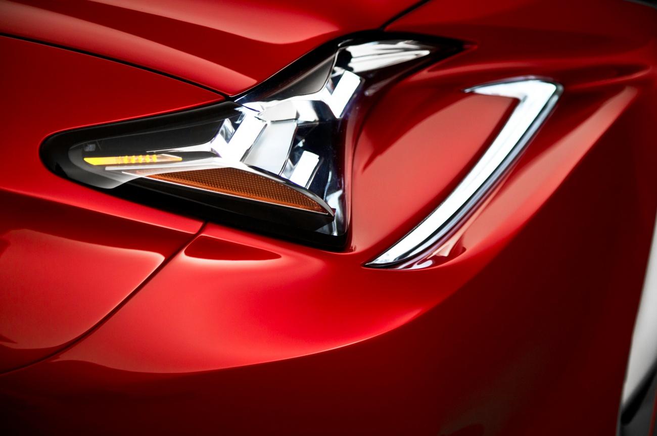 2014 - [Lexus] RC Coupé / RC-F - Page 2 2015-Lexus-RC-headlight