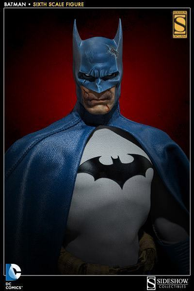 DC Comics: Batman Sixth Scale Figure Batman-Sixth-Scale-Figure-Sideshow-02