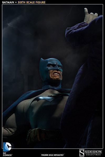 DC Comics: Batman Sixth Scale Figure Batman-Sixth-Scale-Figure-Sideshow-08
