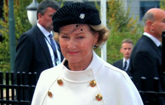Sonja Haraldsen. Reina de Noruega - Página 11 Ste_the_opening__3129439-e1381333389510-550x351
