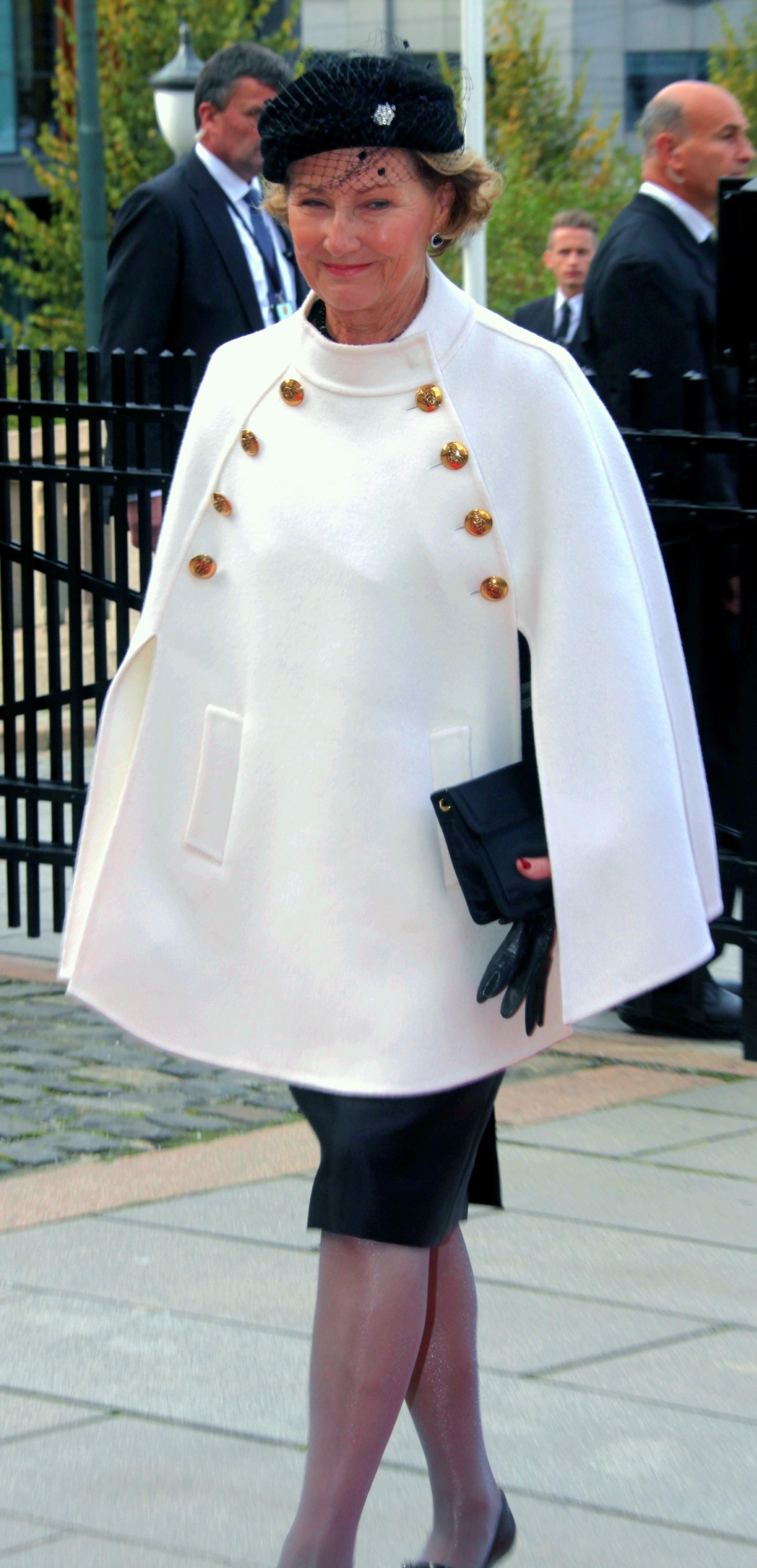 Sonja Haraldsen. Reina de Noruega - Página 11 Ste_the_opening__31294391-e1381333626606