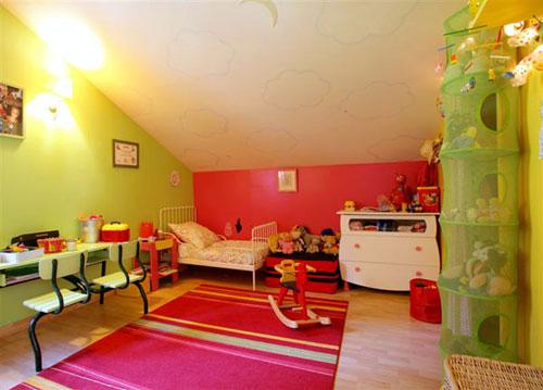 Une chambre qui grandit avec l'enfant 500-mansardes-pop-thumb-500x359