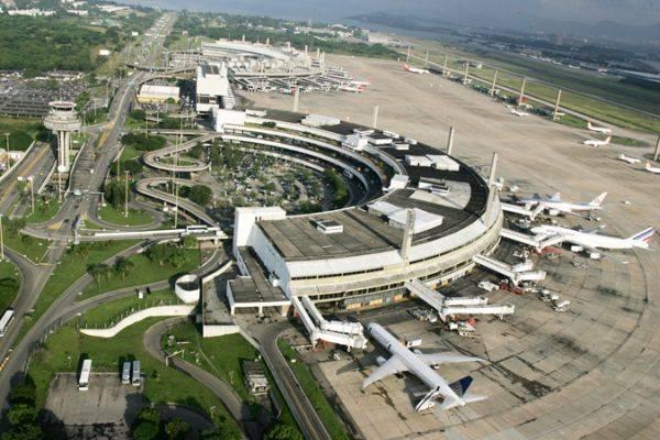[Brasil] Dois aeroportos brasileiros ficam entre os dez piores das Américas e Caribe Aeroporto-tom-jobim-galeao