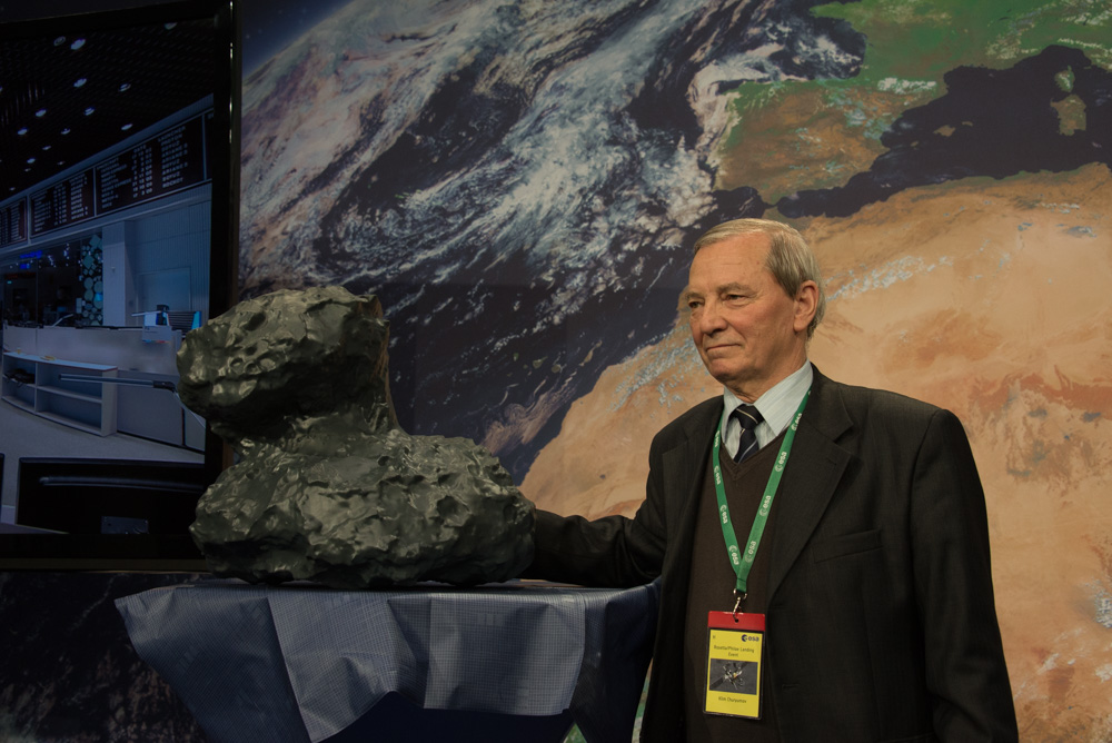 Rosetta : Mission autour de la comète 67P/Churyumov-Gerasimenko  - Page 18 Churyumov_and67P