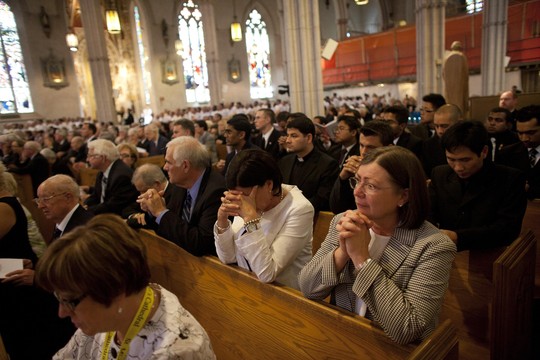 Au sujet des élections aux États-Unis et en France... Catholics-praying