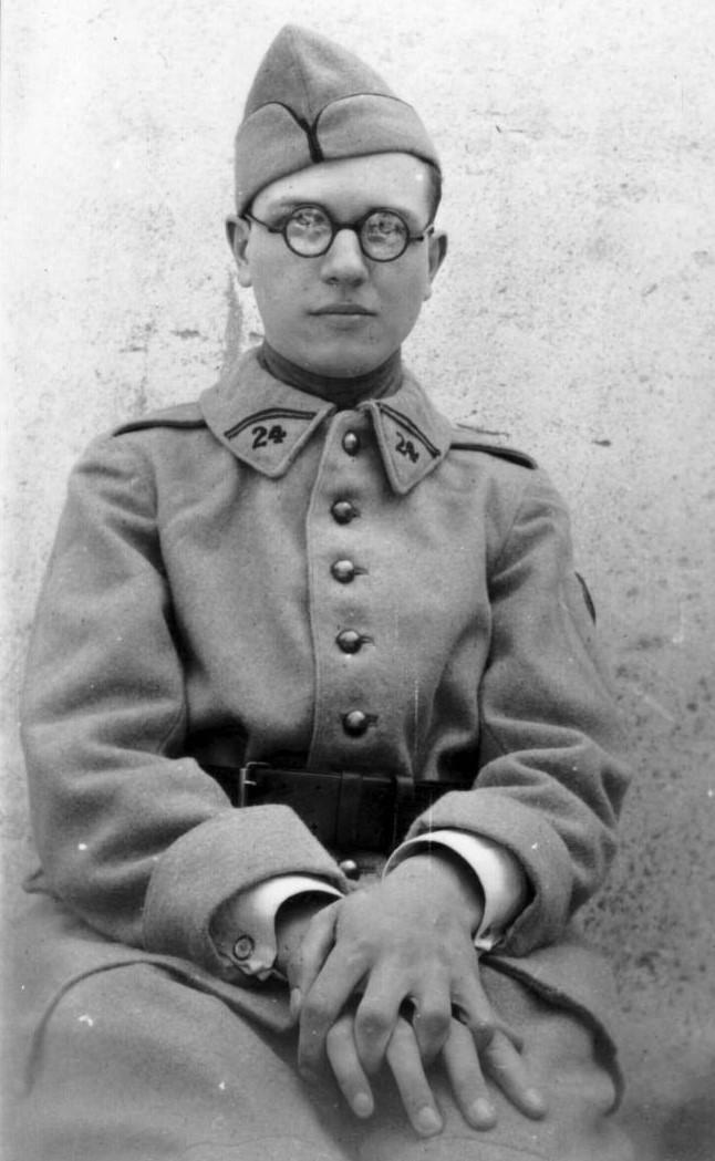 Avant / Après : le temps qui passe ... Messiaen-militaire-2